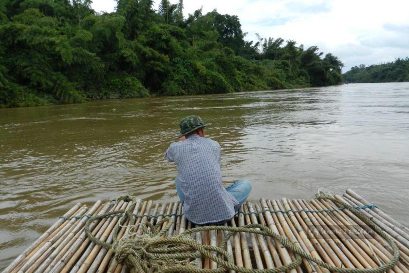 Spływ tratwą po rzece Kwai