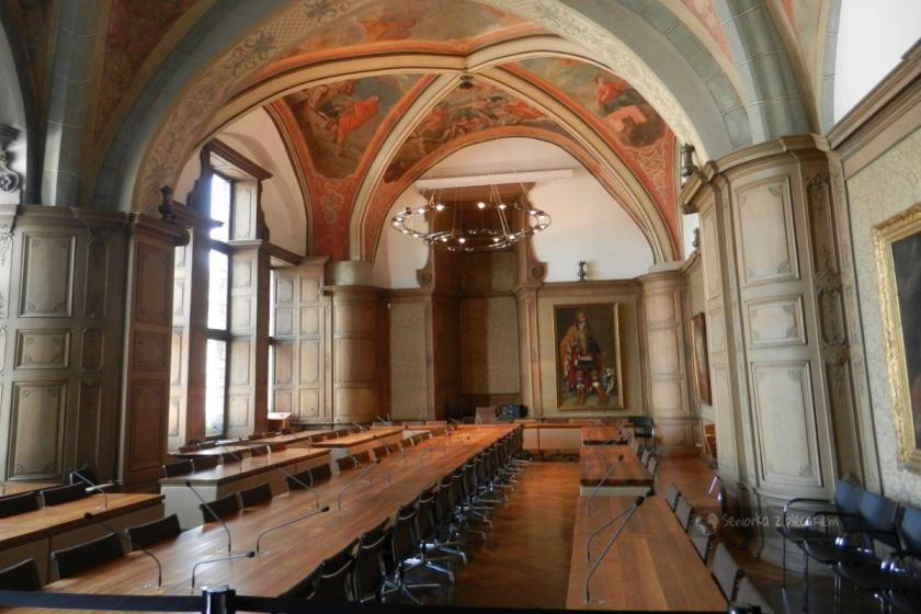 Wnętrze ratusza w Aachen