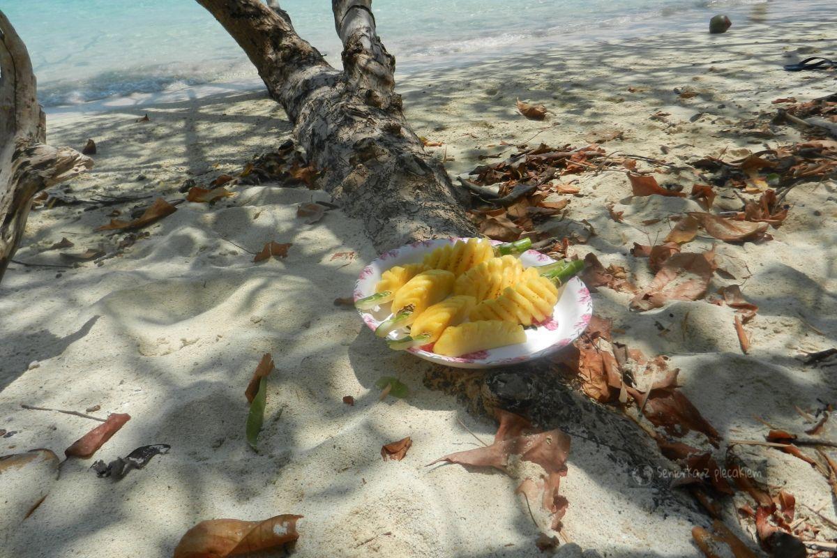 Ananasa podano - Krabi