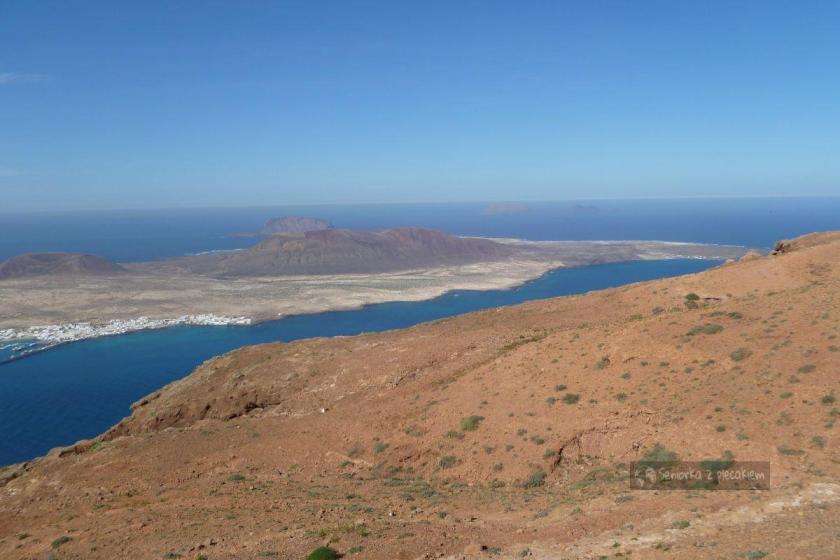 Widok na wyspę La Graciosa