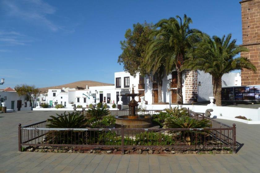 główny plac w Teguise