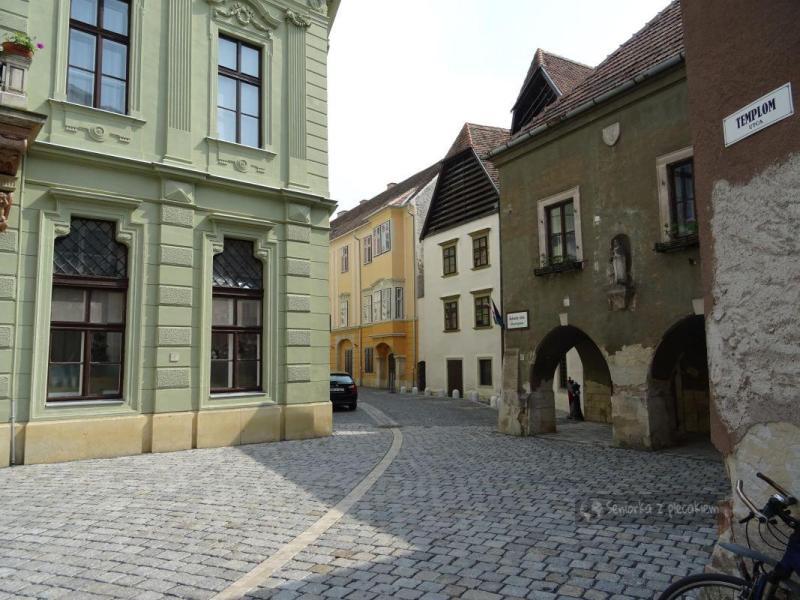 Urokliwa starówka Sopron