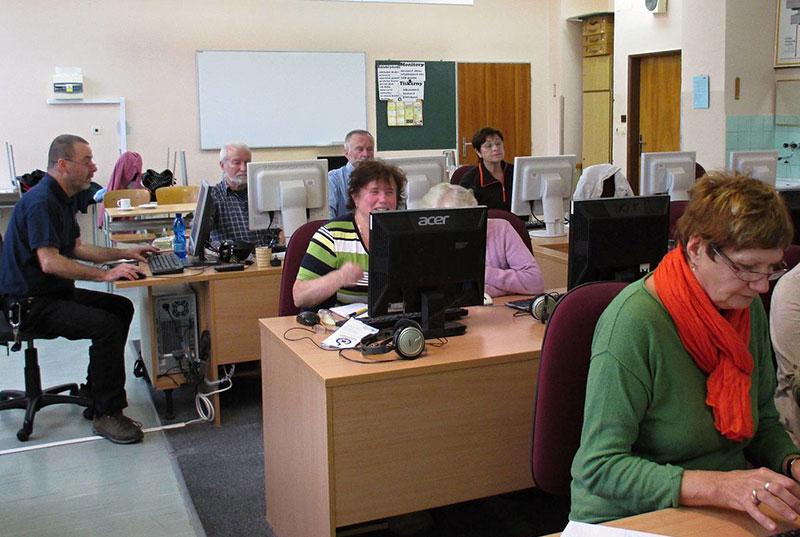 Seniors Write Wikipedia