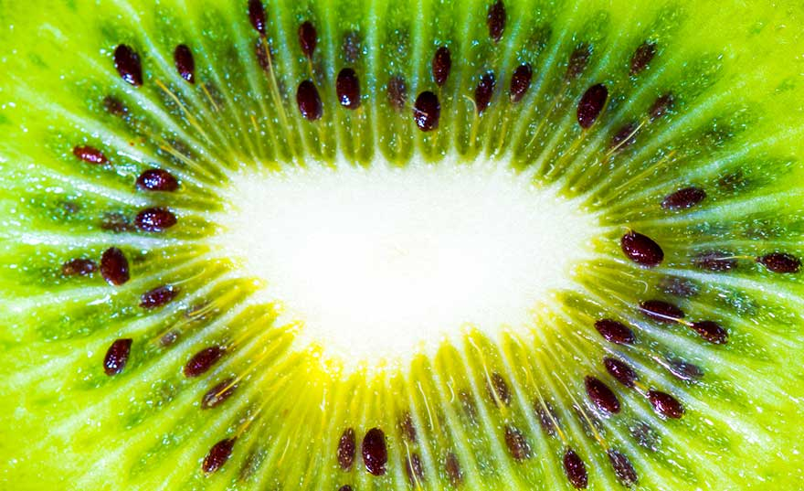 kiwi-fruit-cataracts
