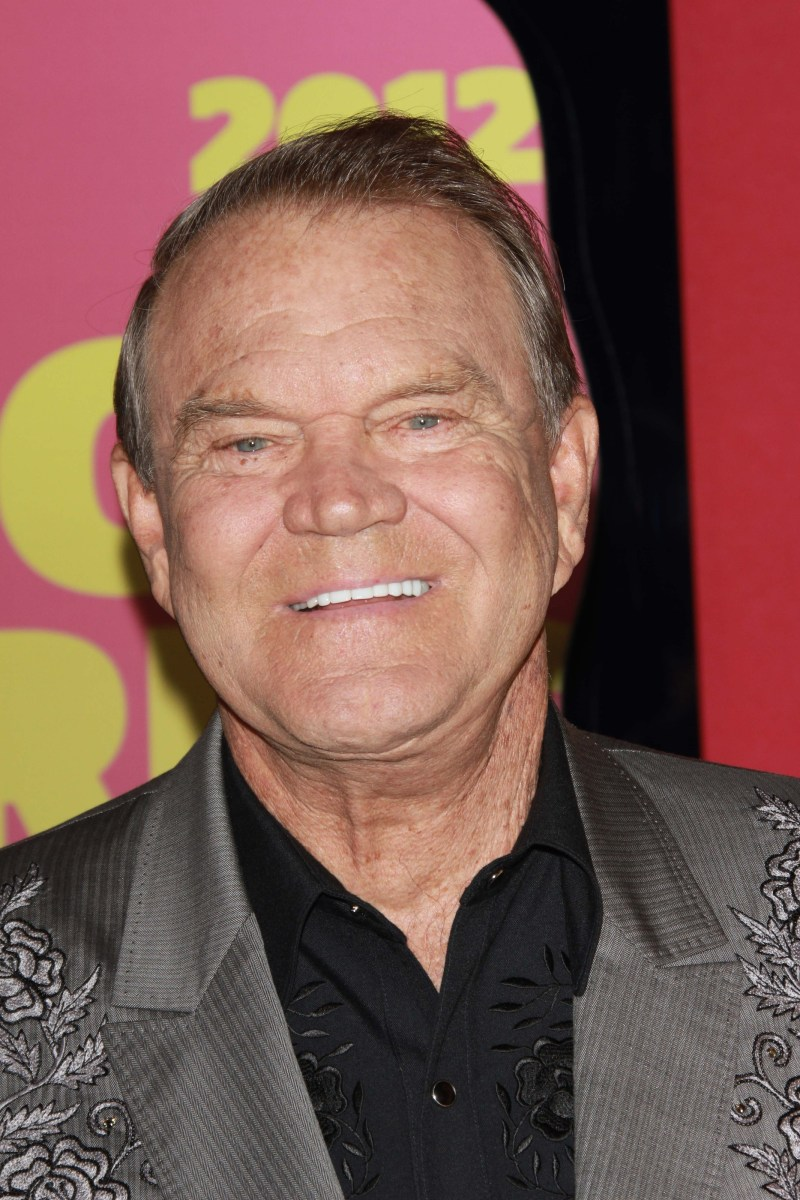 Glen Campbell - The Rhinestone Cowboy Takes His Last Curtain Call