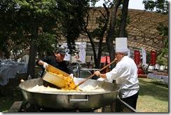 paella making