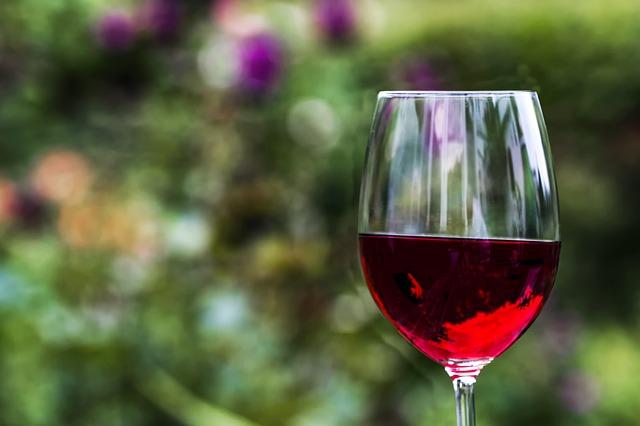 red-wine-2409301_640