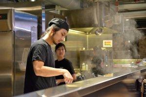 chef, serving, ramen