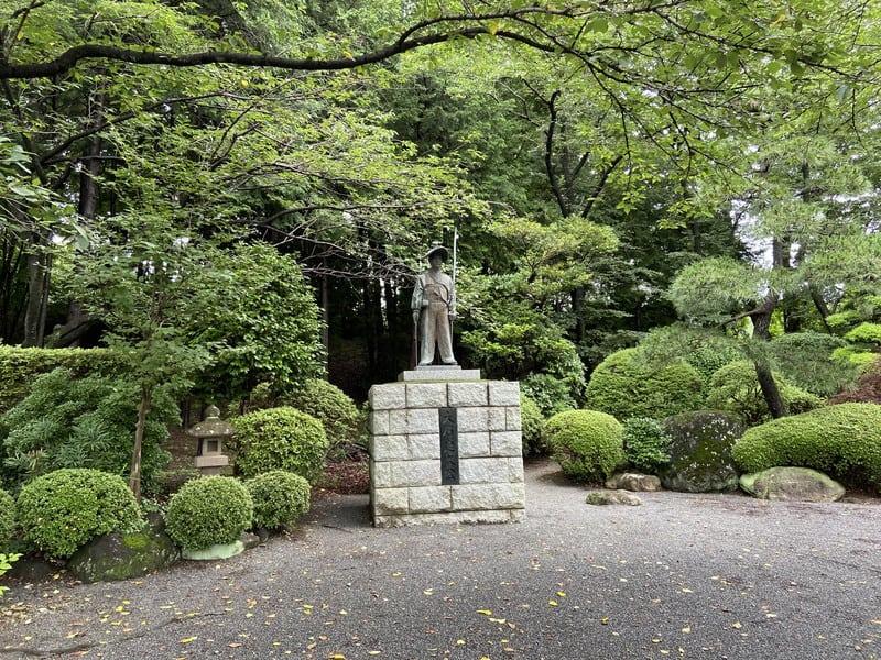 大石定久の銅像