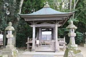 平泉・義経堂(衣川館)