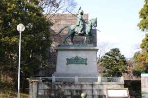 山内一豊の銅像