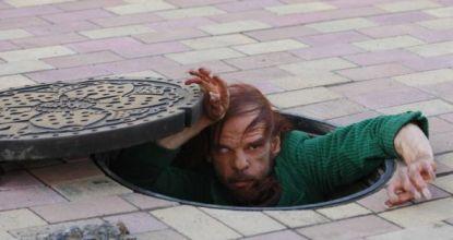 Denis Lavant als Merde in Tokyo von Leos Carax