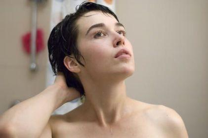 """Arta Dobroshi in """"Le silence de Lorna"""" (c) Filmcoopi ZH"""