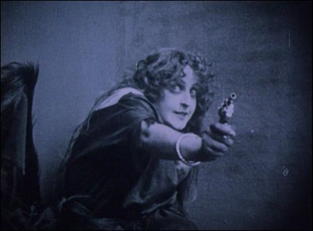 experimentalfilm film ist a girl and a gun Gustav deutsch