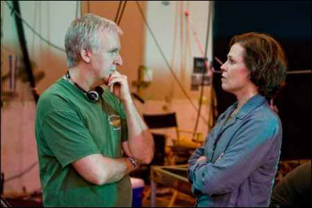 James Cameron mit Sigourney Weaver im 'Avatar'-Studio © 20th Century Fox