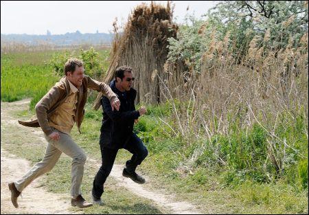 ...und hier ebenfalls Lust am Rennen (links) in 'Der Kameramörder'