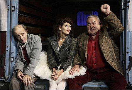 'Länger leben' mit Nikolaus Paryla Ilona Markarova Mathias Gnädinger ©Langfilm