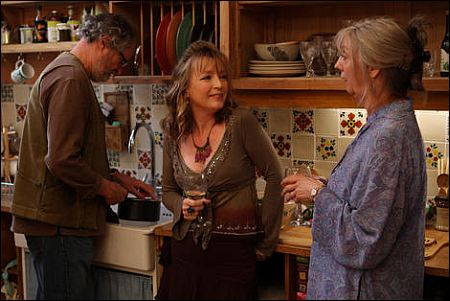 Jim Broadbent, Lesley Manville und Ruth Sheen in 'Another Year' ©Pathé Films