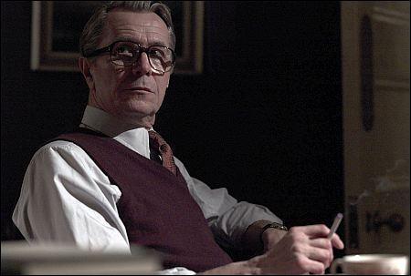 Die 70er Jahre. Als auch George Smiley (Gary Oldman) noch rauchen durfte: 'Tinker, Tailor, Soldier, Spy' ©ascot-elite