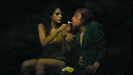 Monsieur Merde und Eva Mendes