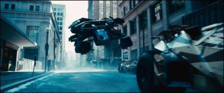 Batman geht in die Luft ©2012 Warner Bros