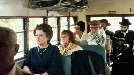 Im Bus in Tel Aviv copy filmcoopi