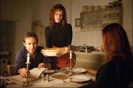 Alessandro Nivola, Christina Hendricks und Elle Fanning in 'Ginger & Rosa' ©filmcoopi