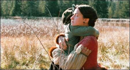 Joana Preiss als Marie de Guise mit der kleinen Mary