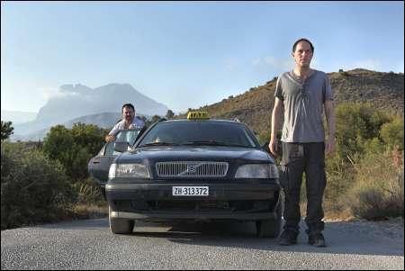 Vorübergehend sprachlos in Spanien: Stanley Townsend, Stefan Kurt in 'Lovely Louise' © frenetic