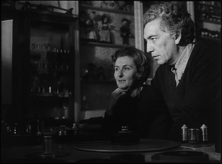 Gisèle und Nag Ansorge am Schneidetisch © Cinémathèque Suisse