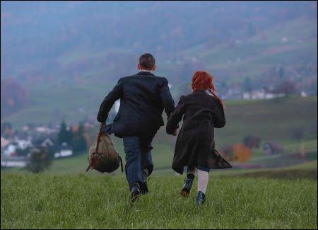 Zwei jüdische Kinder auf der Flucht in die Schweiz  © Disney Schweiz