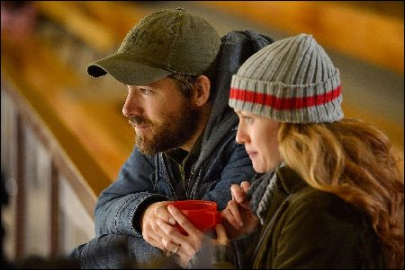 Ryan Reynolds and Mireille Enos in The Captive von Atom Egoyan