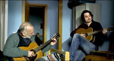 André Wilms und Baptiste Gilliéron in 'Pause' von Mathieu Urfer © filmcoopi