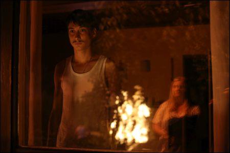 Thuja als brennender Dornbusch in 'Superwelt' © Thimfilm Petro Domenigg