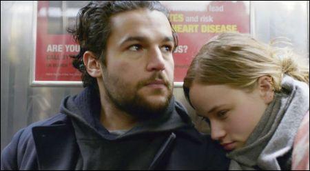 Christopher Abbott und Mackenzie Leigh