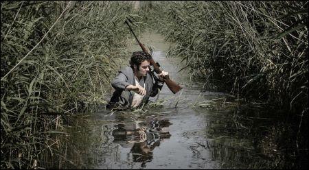 Tiefer im Sumpf als erwartet: Tom Dewispelaere als Schneider © Graniet Fims