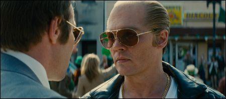 Johnny Depp (rechts!) in 'Black Mass' © Warner