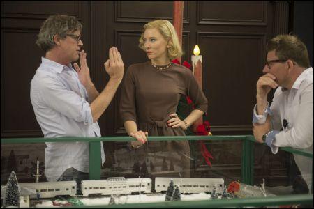 Todd Haynes (links) mit Cate Blanchett auf dem Set von 'Carol' © Pathé