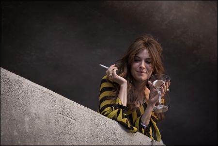 Sienna Miller als Charlotte Melville in 'High Rise' © dcm