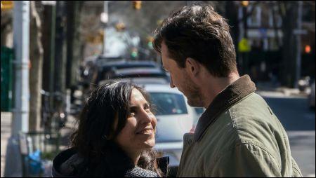 Camila (Agustina Muñoz) und Gregg