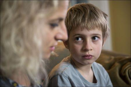 Eleni Haupt und Noé Ricklin in 'Finsteres Glück' von Stefan Haupt © Xenix