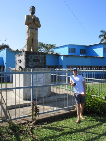 Jeff posing with a statue of Livingston's founder