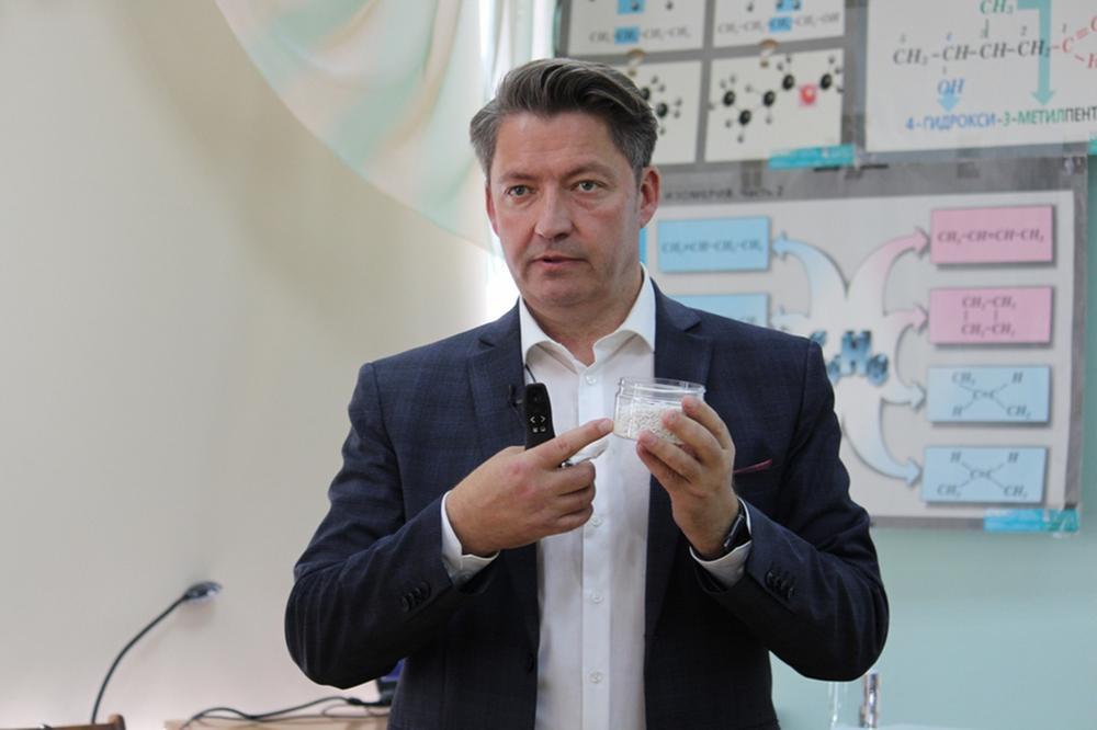 Глава Ижевска Бекмеметьев поборол ковид