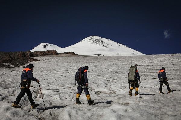 МЧС призвало туристов не выходить в горы в плохую погоду и снегопад