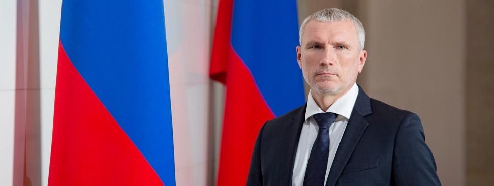 Журавлев: Правительству удобно сваливать проблемы России на пандемию