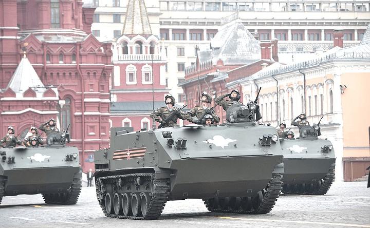 Парад Победы 2021 в Москве пройдет без иностранных лидеров