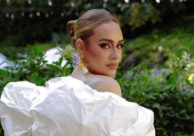 Адель анонсировала выход первого за шесть лет альбома
