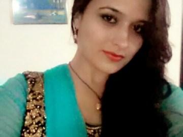 OOTD-My-Diwali-Look-Selfie