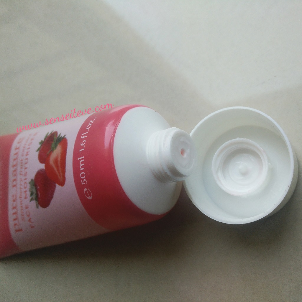 Oriflame Pure Nature Strawberry Fruit Extract Face Moisturizer Packaging
