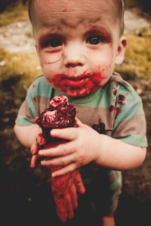 diy-zombie-toddler-outfit-halloween